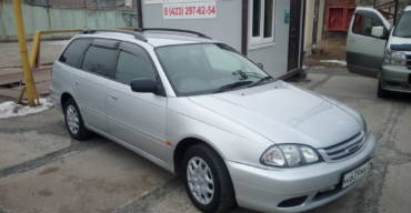 Toyota Caldina (2000 г.)