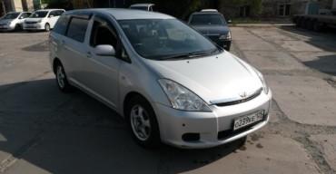 Toyota Wish (2004 г.)